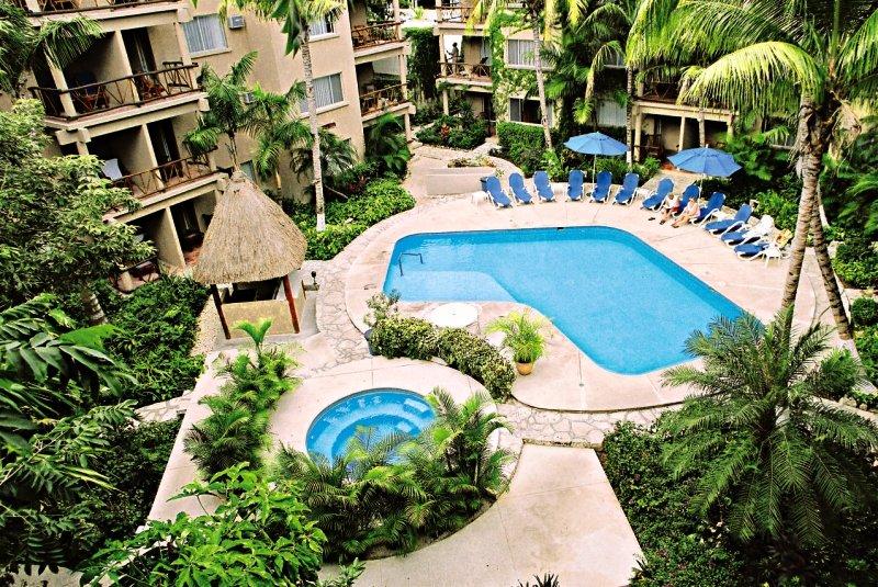 Hotel El Tukan Beach Club