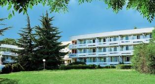 Hotel Panorama, Kompas