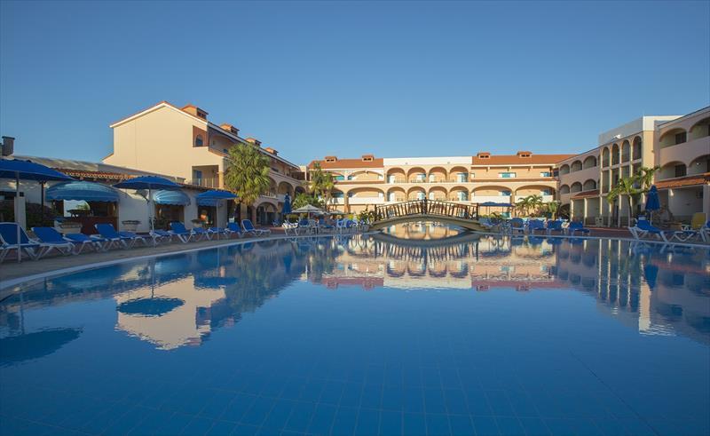 Hotel Cuatro Palmas