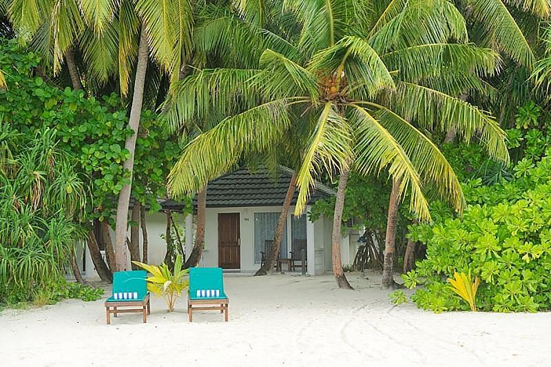 Holiday Island ****, Maledivy-južný Ari atol