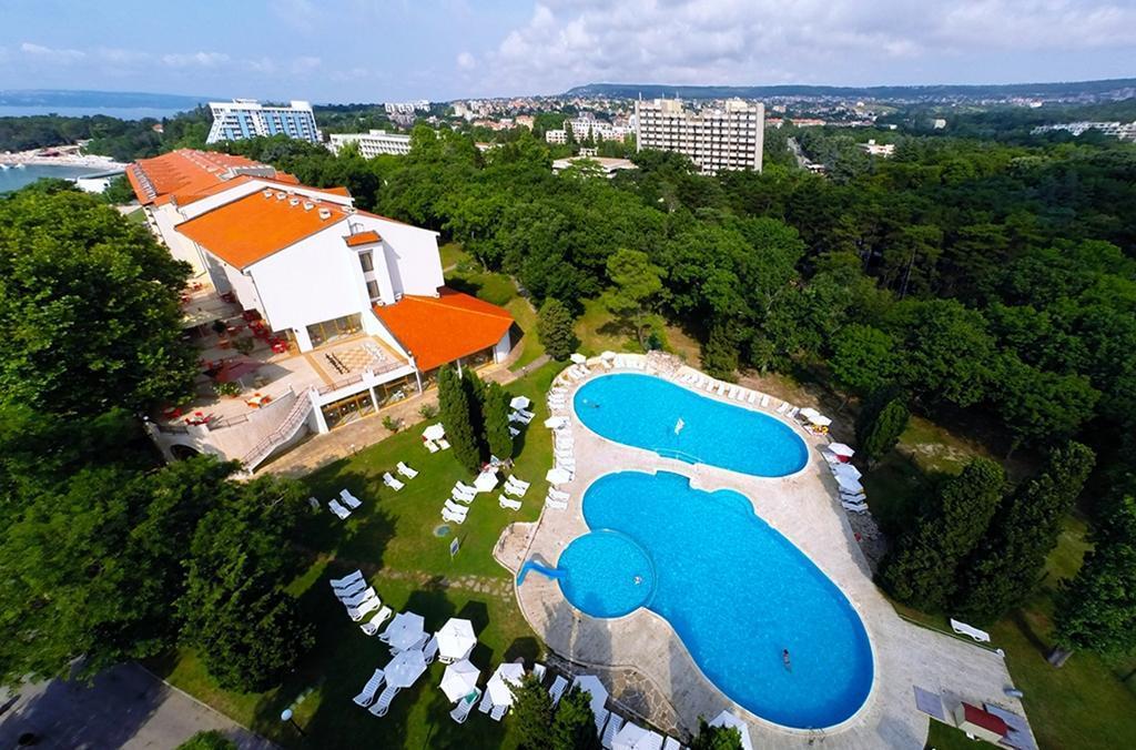 """Hotel """"Dolphin Marina"""""""