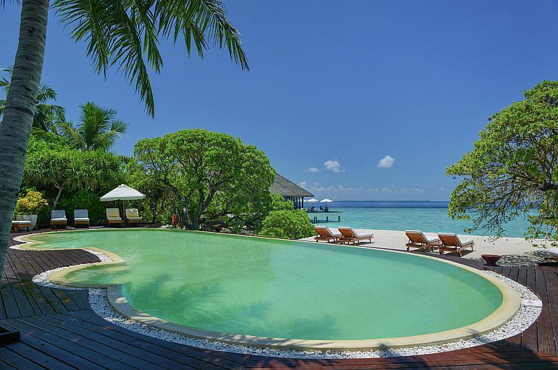 Adaaran Meedhupparu Beach Villa****, Maledivy-Raa atol