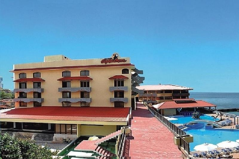 Kombinace - hotel Copacabana (Havana) + auto
