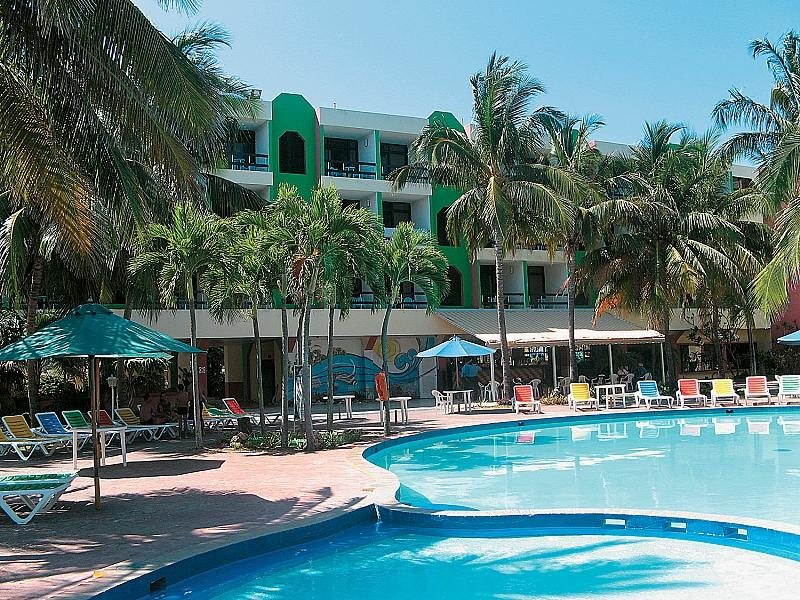 Club Tropical