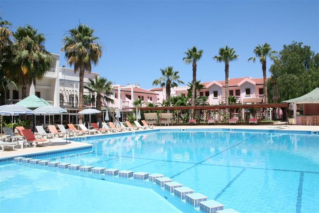 Hotel & Resort LA - Dotované pobyty 50+ - pro seniory