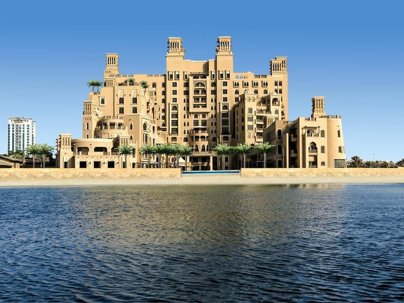 Hotel Sher. Sharjah Beach