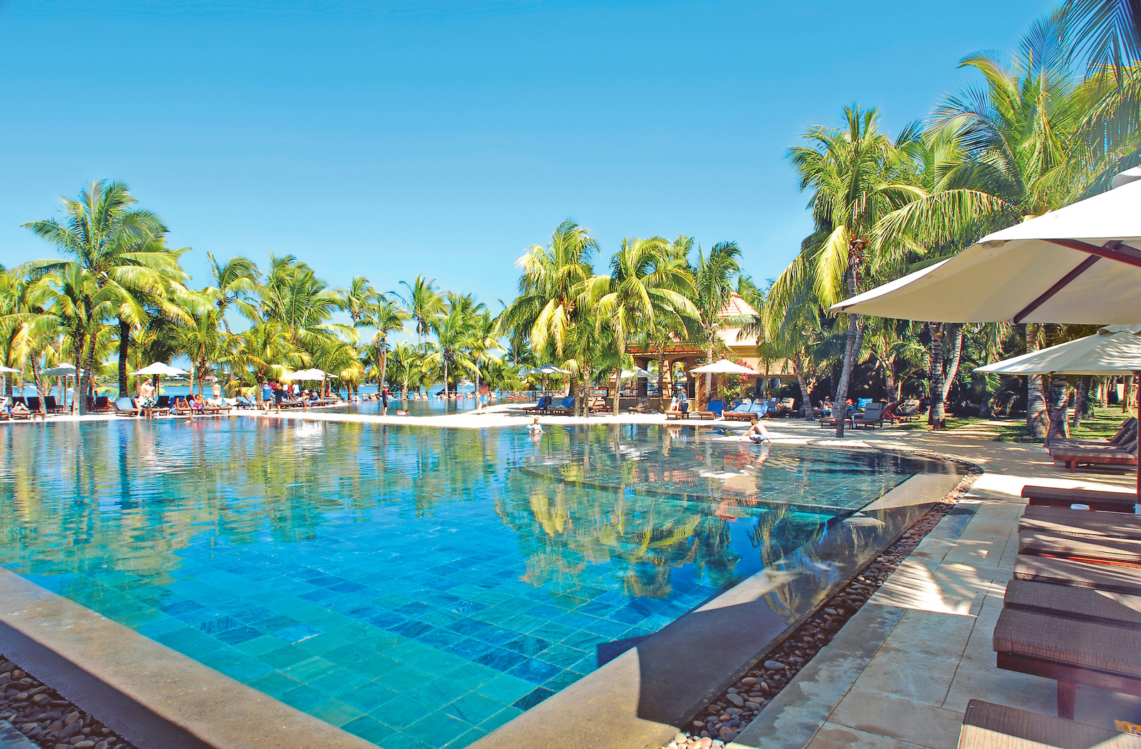 Mauricia Beachcomber Resort and Spa
