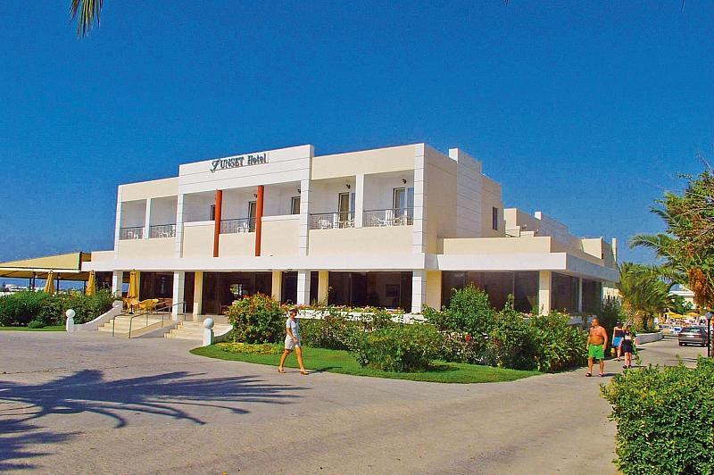 Sunset Hotel Tigaki