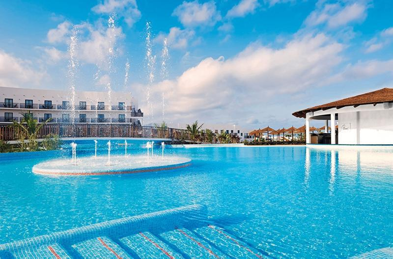 Meliá Dunas Beach Resort & Spa