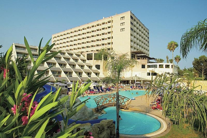 St. Raphael Resort   - Student Agency