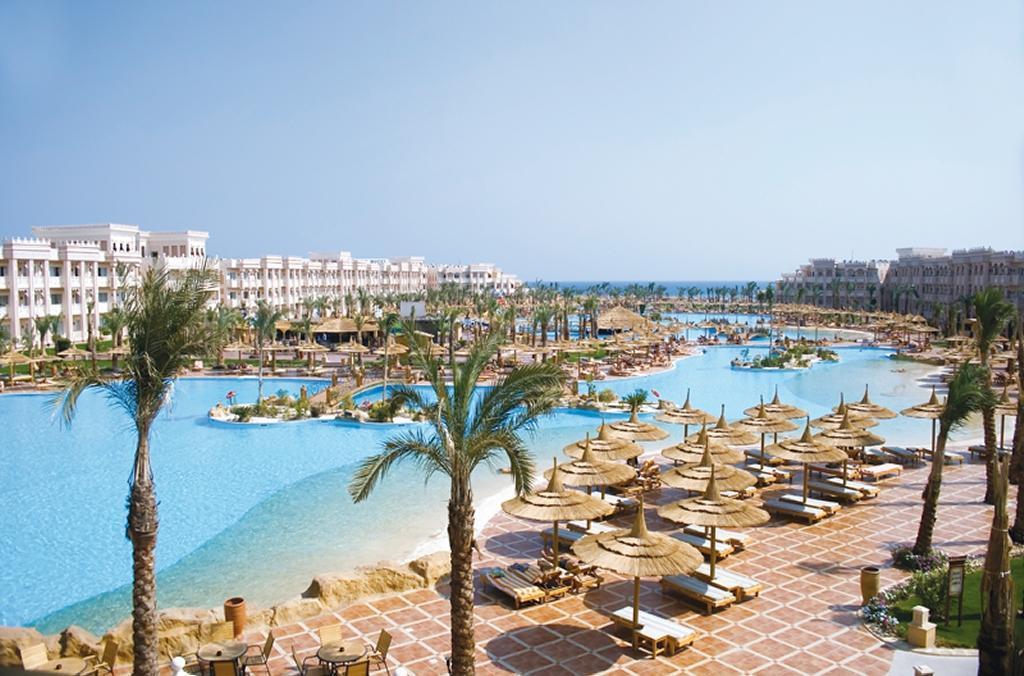 Albatros Palace Resort   - student agency