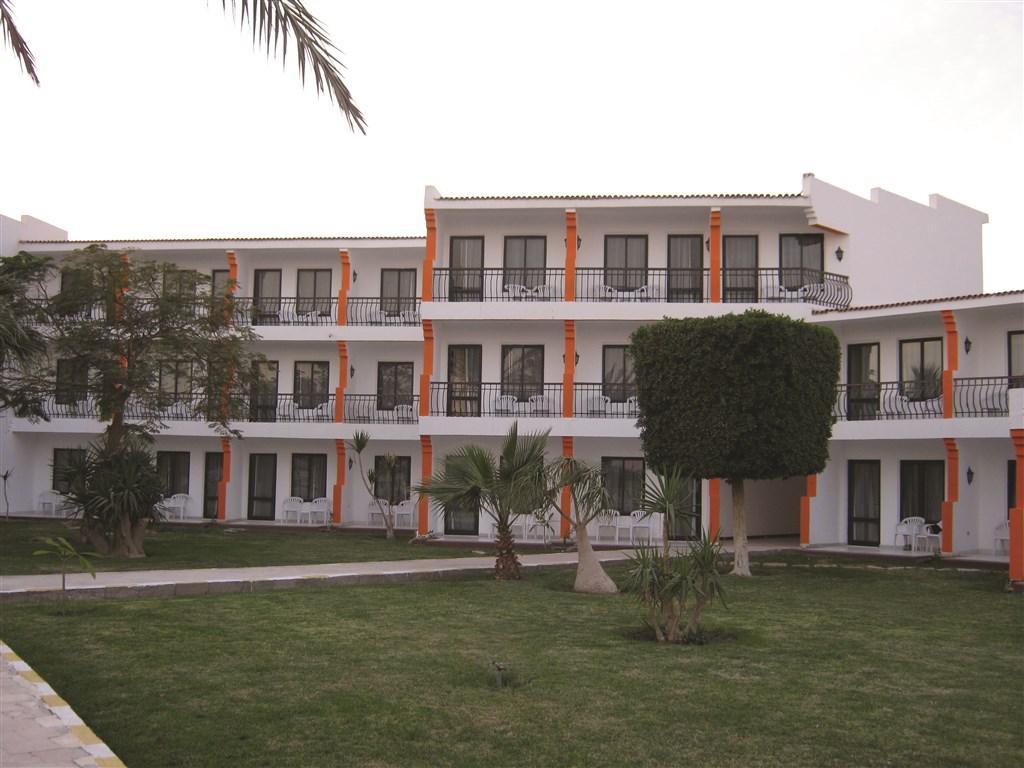 Riviera Plaza Abu Soma