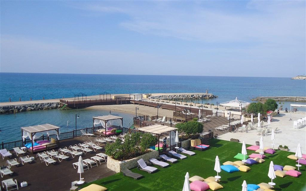 Ada Beach Hotel - hotely