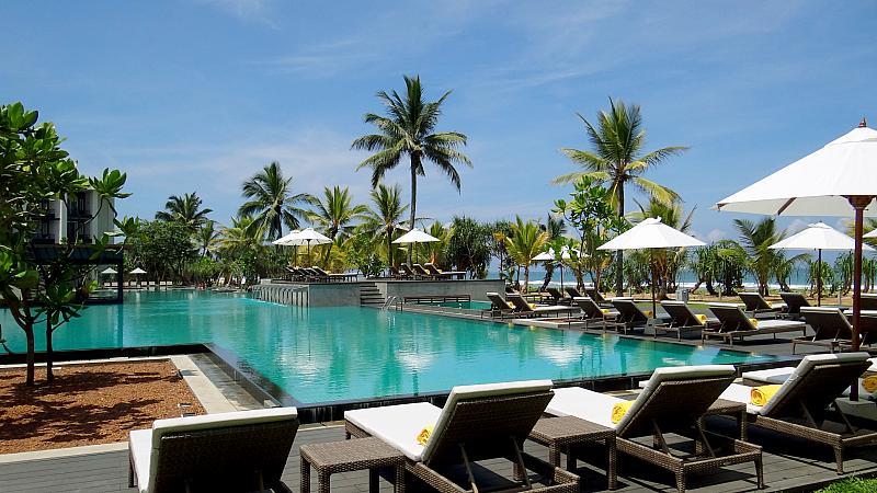 Centara Ceysands Resort & Spa