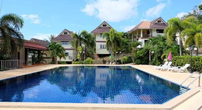 Lanta Village Resort