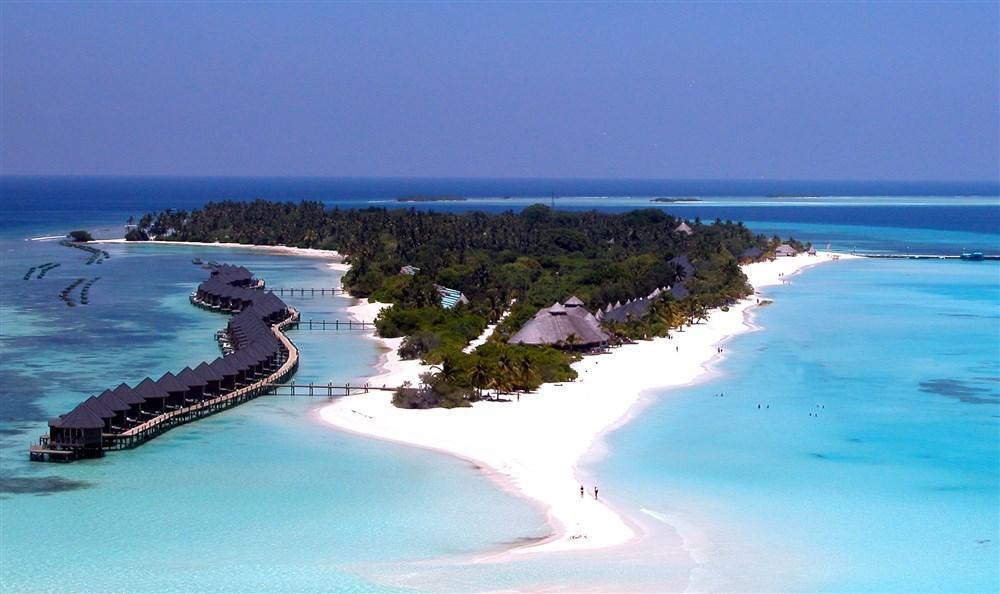 Kuredu Island Resort