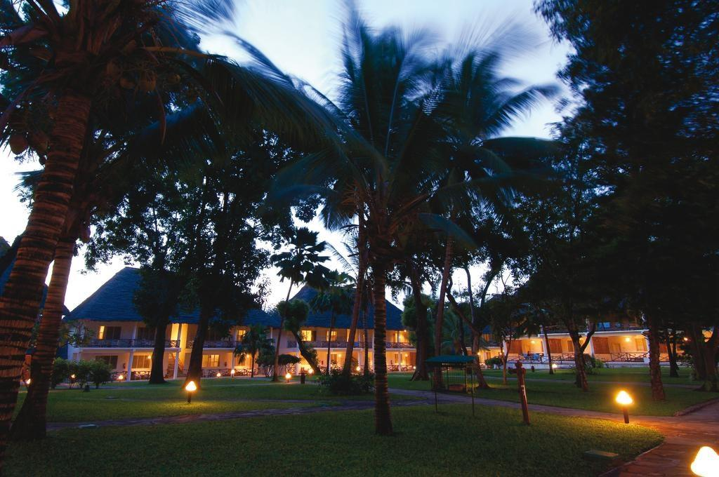 Sandies Tropical Village Resort