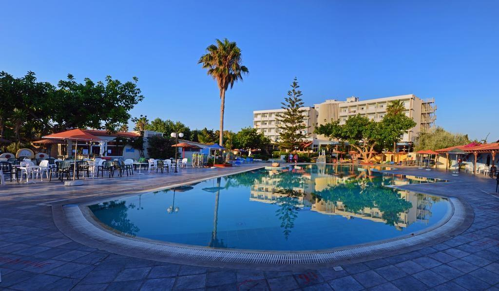 Atlantis Beach Resort