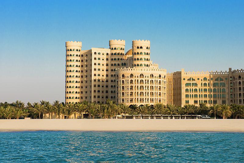 Hotel Al Hamra Residence - levně