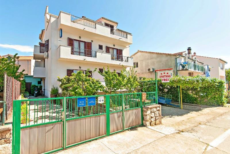 Apartments And Rooms Mirjana