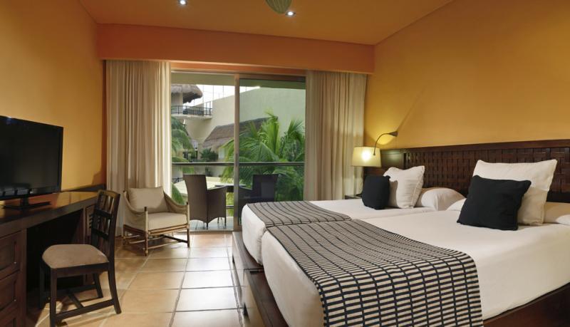 Hotel Catalonia Maya