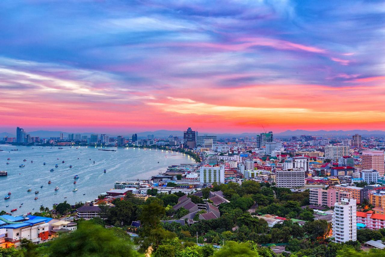 Kombinace - Royal Twins Pattaya ****, Pattaya, Bangkok Palace Hotel ****, Bangkok