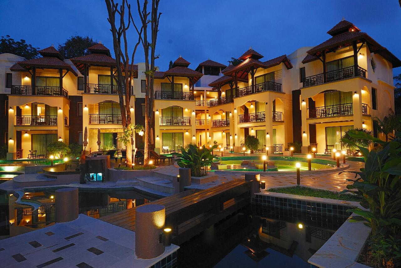 Kombinace - Long Beach Garden Hotel/ Bangkok Palace Hotel