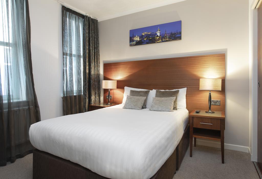 Stewart Aparthotel 4*, Edinburgh - letecky
